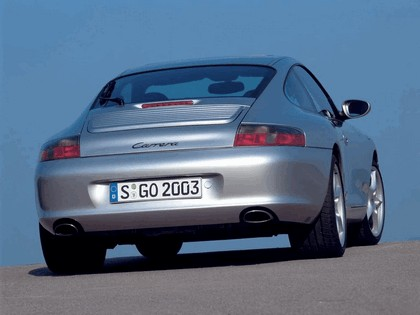 2004 Porsche 911 Carrera 2
