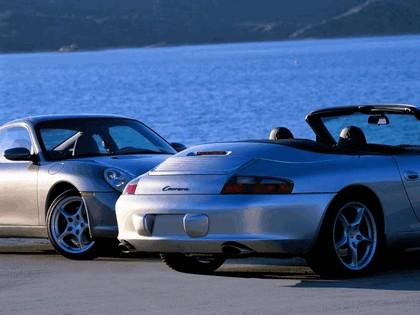 2004 Porsche 911 Carrera 10
