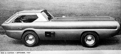 1967 Dodge Deora 32