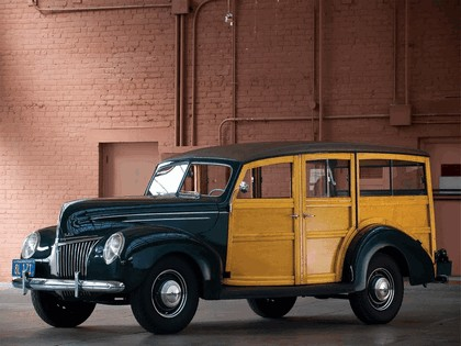 1939 Ford Deluxe Station Wagon 3