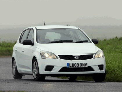 2009 Kia Ceed - UK version 1