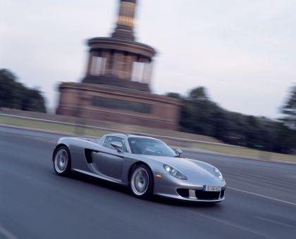 2004 Porsche Carrera GT 77