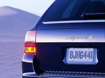 2004 Porsche Cayenne S 7