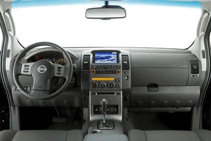 2007 Nissan Navara 17