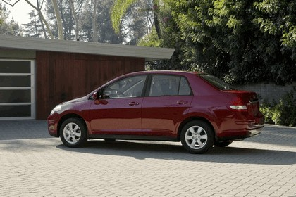 2010 Nissan Versa sedan 4