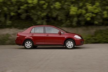 2010 Nissan Versa sedan 6
