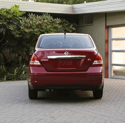 2010 Nissan Versa sedan 9