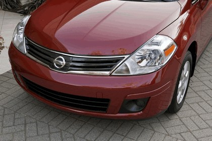 2010 Nissan Versa sedan 13
