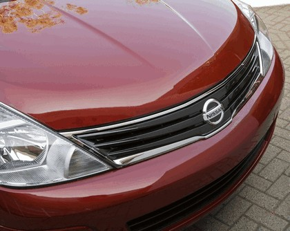 2010 Nissan Versa sedan 16