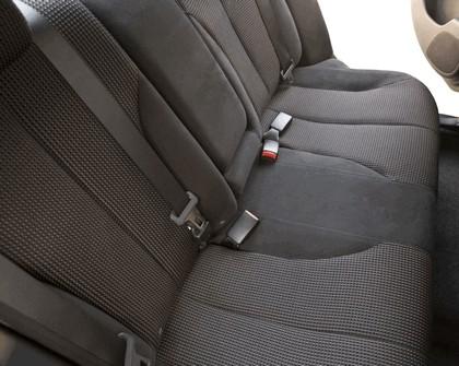 2010 Nissan Versa sedan 26