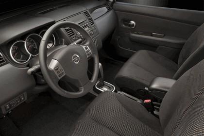 2010 Nissan Versa sedan 28