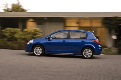 2010 Nissan Versa hatchback 2