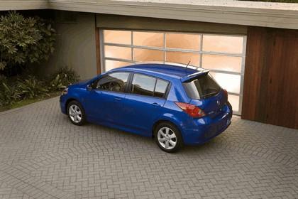 2010 Nissan Versa hatchback 4