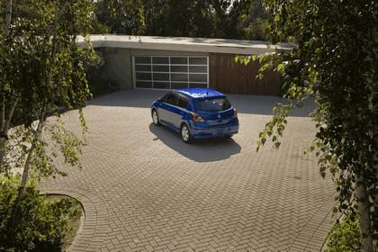 2010 Nissan Versa hatchback 8