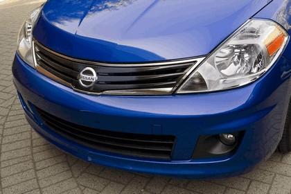 2010 Nissan Versa hatchback 15