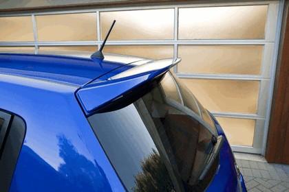 2010 Nissan Versa hatchback 19