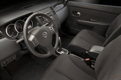 2010 Nissan Versa hatchback 24