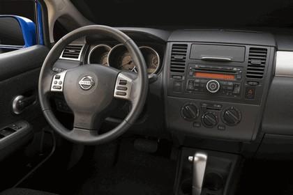 2010 Nissan Versa hatchback 26