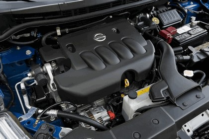 2010 Nissan Versa hatchback 30