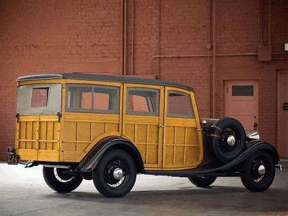 1933 Ford V8 Station Wagon 2