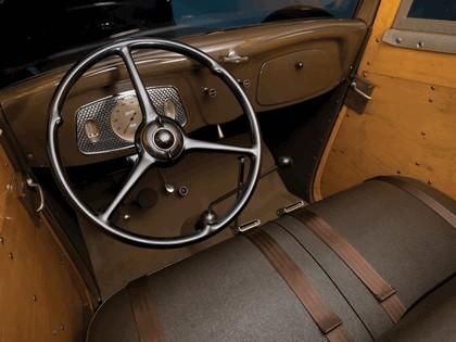 1933 Ford V8 Station Wagon 3