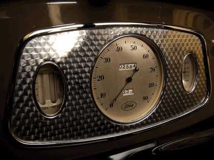 1933 Ford V8 Station Wagon 4