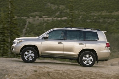2009 Toyota Land Cruiser 12