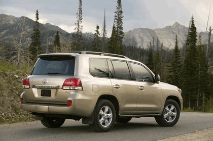 2009 Toyota Land Cruiser 13