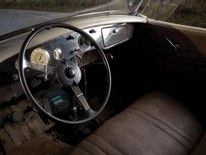 1935 Ford Model 48 Deluxe Phaeton 4