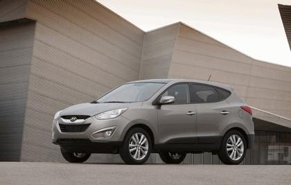 2010 Hyundai Tucson 4