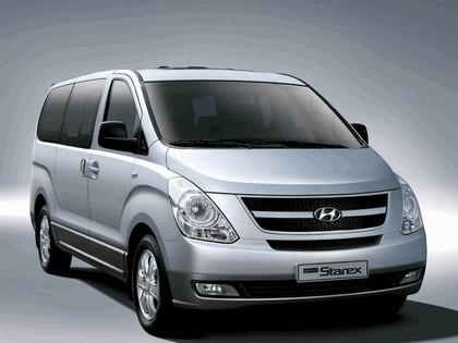 2007 Hyundai Grand Starex 2
