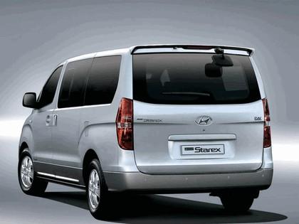 2007 Hyundai Grand Starex 3