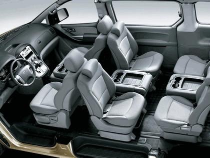 2007 Hyundai Grand Starex 7