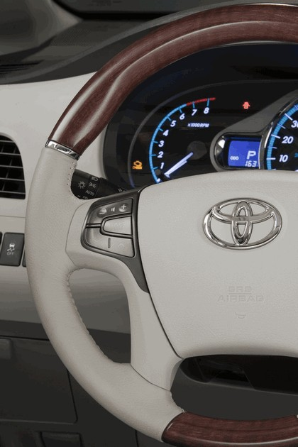 2010 Toyota Sienna SE 10