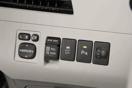 2010 Toyota Sienna SE 23