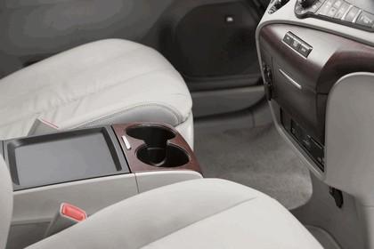 2010 Toyota Sienna SE 43