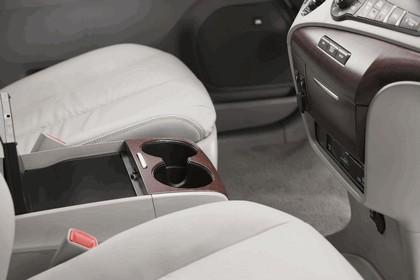 2010 Toyota Sienna SE 44