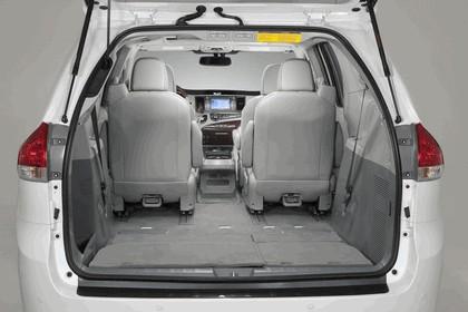 2010 Toyota Sienna SE 51