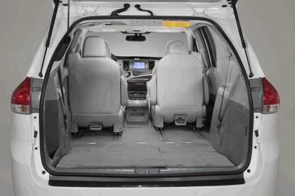2010 Toyota Sienna SE 52