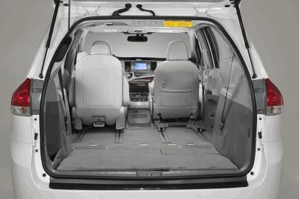 2010 Toyota Sienna SE 53