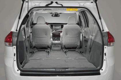 2010 Toyota Sienna SE 54