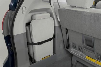 2010 Toyota Sienna LE 49