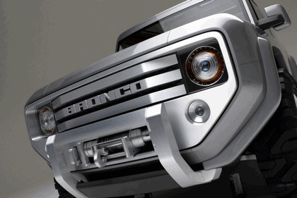 2004 Ford Bronco concept 3