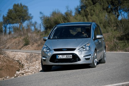 2010 Ford S-Max 9