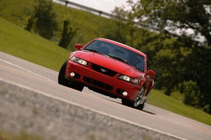 2004 Ford Mustang Cobra SVT 10