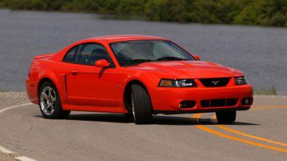 2004 Ford Mustang Cobra SVT 8