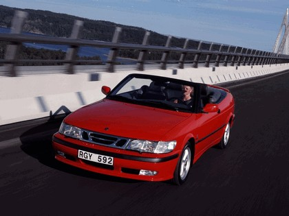 1998 Saab 9-3 convertible 21