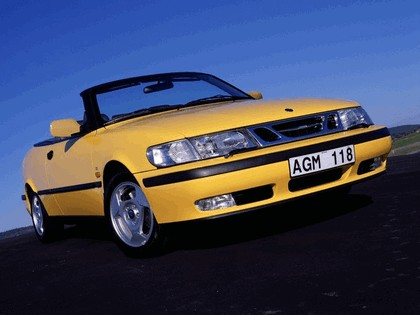 1998 Saab 9-3 convertible 41