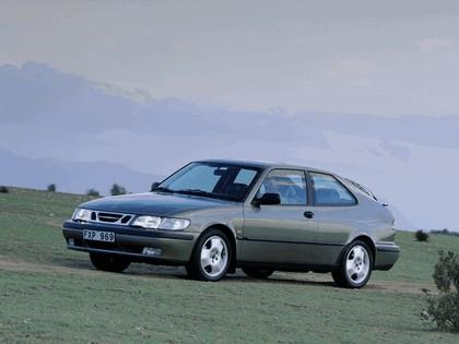 1998 Saab 9-3 coupé 13