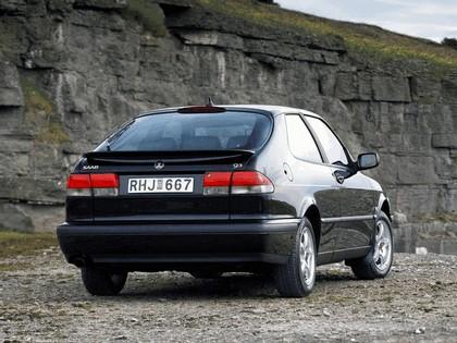 1998 Saab 9-3 coupé 22
